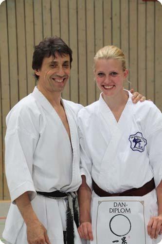 Dan Prüfungen Karate im Budocenter Steinen Yanina König Efthimios Karamitsos