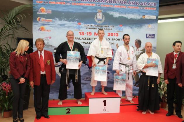 Vizeeuropameister Kobudo 2013 Sensei Karl-Hans König, 6. Dan Karate 2. Dan Kobudo